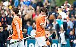 BLOEMENDAAL   - Hockey -  3e en beslissende  wedstrijd halve finale Play Offs heren. Bloemendaal-Amsterdam (0-3).  Teleurstelling bij Florian Fuchs (Bldaal) en links Sander 't Hart (Bldaal)  na het eindsignaal.  Amsterdam plaats zich voor de finale.  COPYRIGHT KOEN SUYK