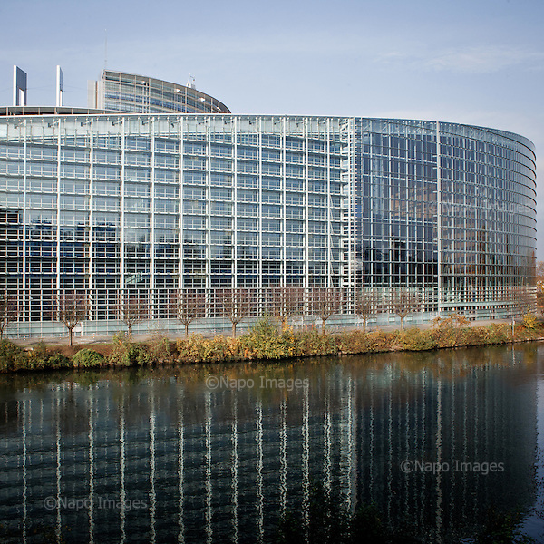 STRASBOURG, FRANCE, NOVEMBER 24, 2014: View of the European Parliament (Photo by Piotr Malecki / Napo Images)  STRASBURG, FRANCJA, 24/11/2014:Widok Parlamentu Europejskiego. Fot: Piotr Malecki / Napo Images