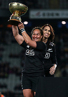 Fiao'o Faamausili with the Laurie O'Reilly Memorial Trophy. International women's rugby match between the New Zealand Black Ferns and Australia Wallaroos at Eden Park in Auckland, New Zealand on Saturday 25 August 2018. Photo: Simon Watts / lintottphoto.co.nz