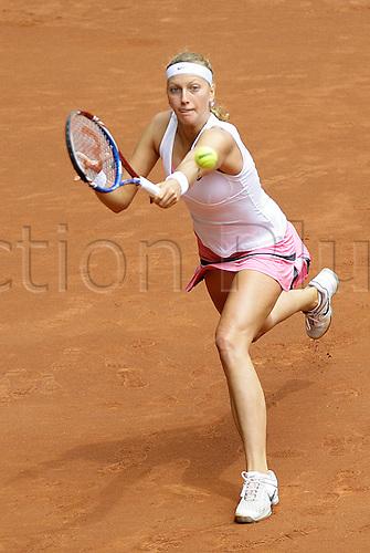 07.05.2011 Madrid, Spain. Petra Kvitova (CZE) in action against Na Li (CHN), Semi final  of the WTA Tennis Mutua Madrilena Madrid Open, Spain.......