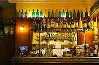 bar counter le bistrot bourguignon rue monge beaune cote de beaune burgundy france