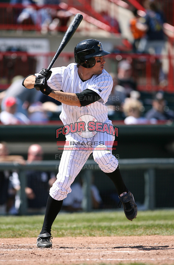 2007:  Michael Hollimon of the Erie Seawolves awaits the pitch during an at bat vs. the Bowie Baysox in Eastern League baseball action.  Photo by Mike Janes/Four Seam Images