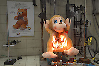 - Italian Institute for Toy Safety; certification of toys and products intended for children: flammability test....- Istituto Italiano Sicurezza dei Giocattoli; certificazione dei giocattoli e dei prodotti destinati all'infanzia: test infiammabilità