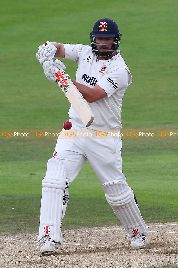 Jesse Ryder in batting action for Essex CCC