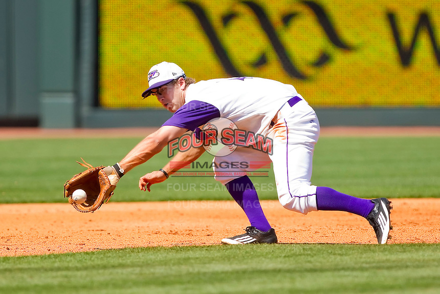 Third baseman Austin Yount #4 of the Winston-Salem Dash fields a ground ball against the Wilmington Blue Rocks at BB&T Ballpark on April 24, 2011 in Winston-Salem, North Carolina.   Photo by Brian Westerholt / Four Seam Images