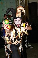 RIO DE JANEIRO, RJ, 23.11.2014 – MONDIAL DE LA BIERRE NO TERREIRÃO DO SAMBA, MONDIAL DE LA BIERRE, Arlequim Acontece no Terreirão do Samba o Mondial de La Bierre com nomes de cervejarias inusitados e o público lota o Terreirão do Samba tradicional ponto de encontro dos eventos do samba carioca, no Centro, neste domingo, 23  (foto: Márcio Cassol/Brazil Photo Press)