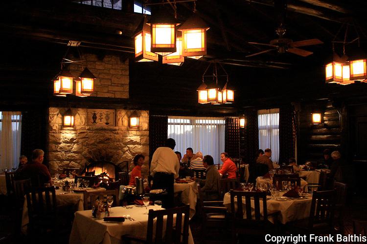 Dining room at El Tovar Hotel