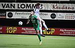 2018-03-10 / Voetbal / Seizoen 2017-2018 / Oosterzonen - Chatelet / El Khaida met Jo Christiaens (Oosterzonen) in de rug<br /> <br /> ,Foto: Mpics.be
