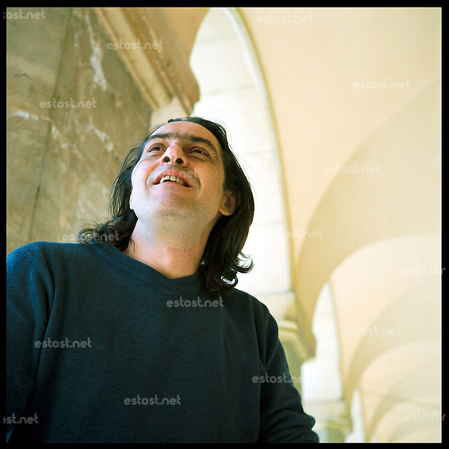 """ROMANIA, Bucharest, 10.05..Physicist by formation born in 1960, Vlad Zografi published his first story in 1990 in the literary journal """"România Literara"""". Playwright and publisher for the Humanitas editions, he published a short-stories selection """"Left Knee, Right Knee"""" in 1993, then """"The New Man"""" in 1994 and """"Cioran and the Music"""". His play """"The Brain"""" has been presented in 2004 at the Théâtre du Rond Point in Paris..© Bruno Cogez / ostphoto"""