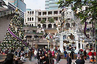 People's Republic of China, Hong Kong: 1881 Heritage shopping centre at Christmas, Kowloon peninsula | Volksrepublik China, Hongkong: 1881 Heritage Shopping Centre auf der Kowloon Halbinsel mit Weihnachtsdekoration