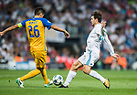 Mateo Kovacic (r) of Real Madrid fights for the ball with Nuno Morais of APOEL FC  during the UEFA Champions League 2017-18 match between Real Madrid and APOEL FC at Estadio Santiago Bernabeu on 13 September 2017 in Madrid, Spain. Photo by Diego Gonzalez / Power Sport Images