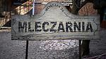 """Witryna pubu """"Mleczarnia"""" na krakowskim Kazimierzu.<br /> The pub site """"Mleczarnia"""" on Krakow's Kazimierz."""