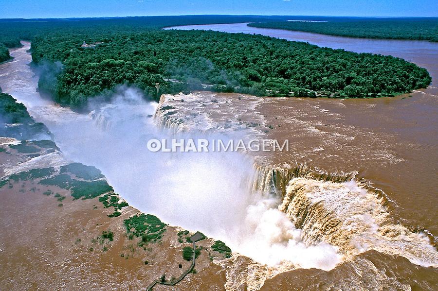 Cataratas do Iguaçu no Parque Nacional do Iguaçu. Foto de Ricardo Azoury.