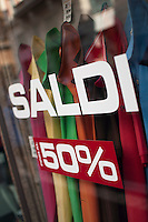 Vetrine in saldi - Showcases on sales