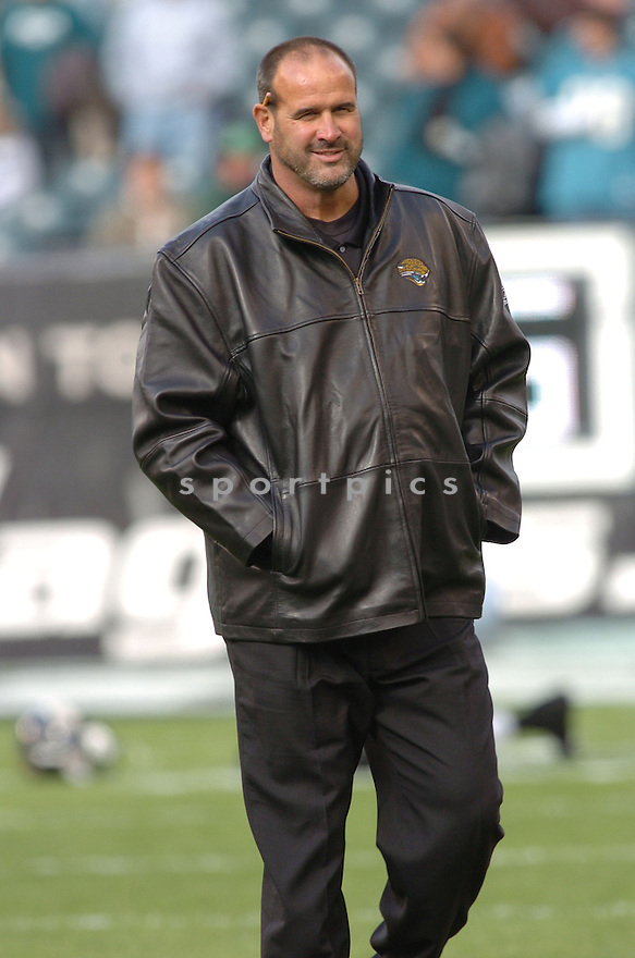 MIKE TICE of the Jacksonville Jaguars  in action against the Philadelphia Eagles on October 29, 2006 in Philadelphia PA...Jaguars win 13-6..Tomasso DeRosa / SportPics
