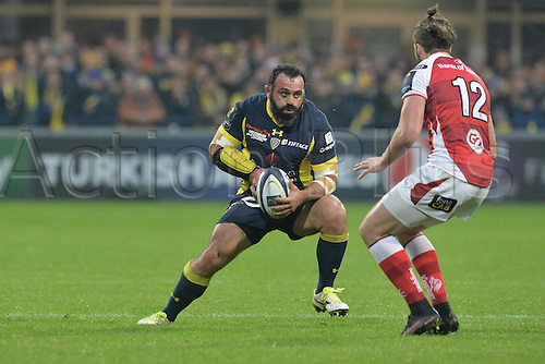 18.12.2016. Stade Marcel Michelin, Clermont-Ferrand, France. European Champions Cup Rugby. Clermont Auvergne versus Ulster.  Davit Zirakashvili (asm) finds his way forward blocked by Stuart McCloskey (ulster)