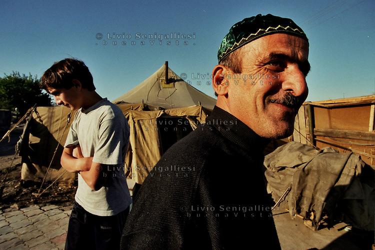 Sleptsovskaja &ndash; Confine Inguscezia-Cecenia / 2004. Profughi ceceni. Refugee camp on the Ingushetia-Chechnya border. <br /> Photo Livio Senigalliesi