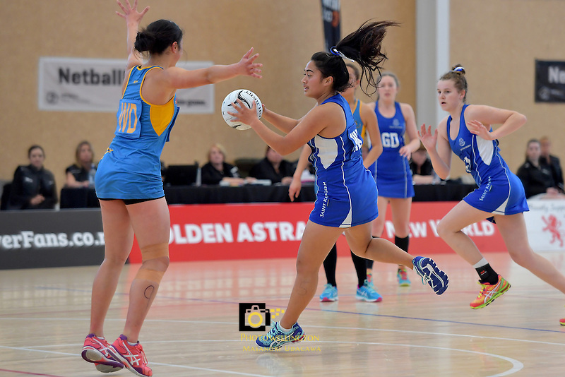 NZ Secondary School Netball Champs - Mt Albert Grammar School v Saint Kentigern College at Walter Nash Centre, Lowe Hutt, New Zealand on Friday 7 October 2016.<br /> Photo by Masanori Udagawa. <br /> www.photowellington.photoshelter.com.