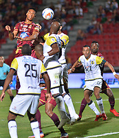 IBAGUÉ- COLOMBIA, 13-02-2018:Acción de juego entre los equipos Deportes Tolima  y el Alianza Petrolera    durante el partido entre el Deportes Tolima  y Alianza Petrolera  por la fecha 3 de la Liga Águila II 2018 jugado en el estadio Manuel Murillo Toro . /Action game between Deportes Tolima and  Alianza Petrolera  during match between Deportes Tolima  and Alianza Petrolera  for the date 3 of the Aguila League I 2018 played at Manuel Murillo Toro stadium. Photo: VizzorImage/ Juan Carlos Escobar / Contribuidor