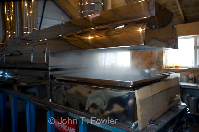 Wood fired maple syrup evaporator
