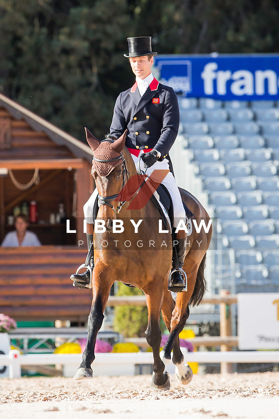 GBR-William Fox-Pitt (PARKLANE HAWK) INTERIM-2ND: CCI4* DAY TWO OF DRESSAGE: 2014 FRA-Les Etoiles de Pau (Friday 24 October) CREDIT: Libby Law COPYRIGHT: LIBBY LAW PHOTOGRAPHY - NZL