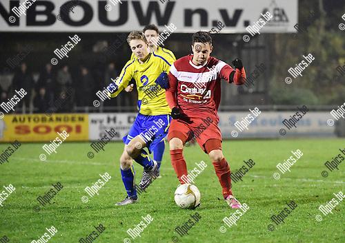 2016-11-26 / Voetbal / Seizoen 2016-2017 / KFC De Kempen - VC Herentals / Michael Trommelen met Philippe Biernaux (r. Herentals)<br /> <br /> ,Foto: Mpics.be