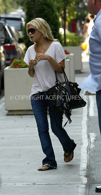 WWW.ACEPIXS.COM . . . . .***EXCLUSIVE!!! FEE MUST BE NEGOTIATED BEFORE USE!!!*** ....NEW YORK, SEPTEMBER 8, 2005....A casually dressed Ashley Olsen arrives in NYC for the start of a new year.....Please byline: JENNIFER L GONZELES-ACE PICTURES.... *** ***..Ace Pictures, Inc:  ..Craig Ashby (212) 243-8787..e-mail: picturedesk@acepixs.com..web: http://www.acepixs.com