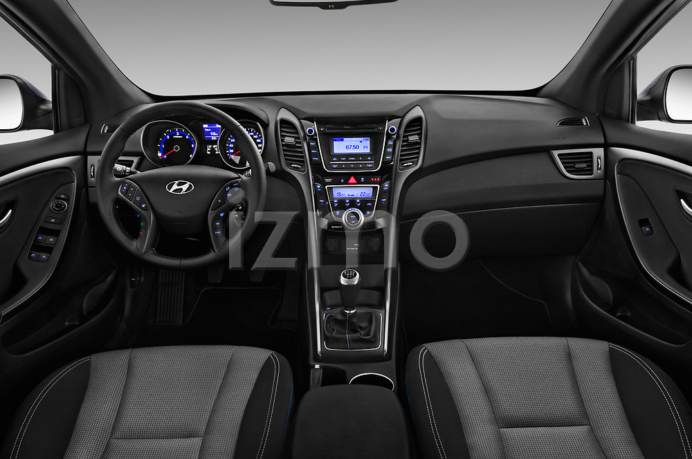 Stock photo of straight dashboard view of 2015 Hyundai I30 Go 5 Door Wagon Dashboard