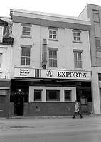 Taverne La Patrie<br /> , 1986<br /> <br /> PHOTO : Pierre Roussel - Agence Quebec Presse
