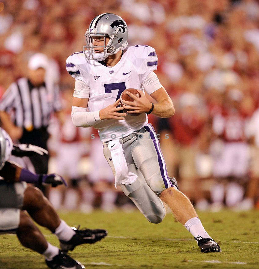 Kansas State Wildcats Collin Klein (7) in action during a game against Oklahoma on September 22, 2012 at Gaylord Family Oklahoma Memorial Stadium in Norman, OK. Kansas State beat Oklahoma 24-19.