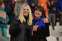 SPEEDSKATING: INZELL: Max Aicher Arena, 09-02-2019, ISU World Single Distances Speed Skating Championships, Brooke Bowe (sister) and Debbie Bowe (mother), ©photo Martin de Jong