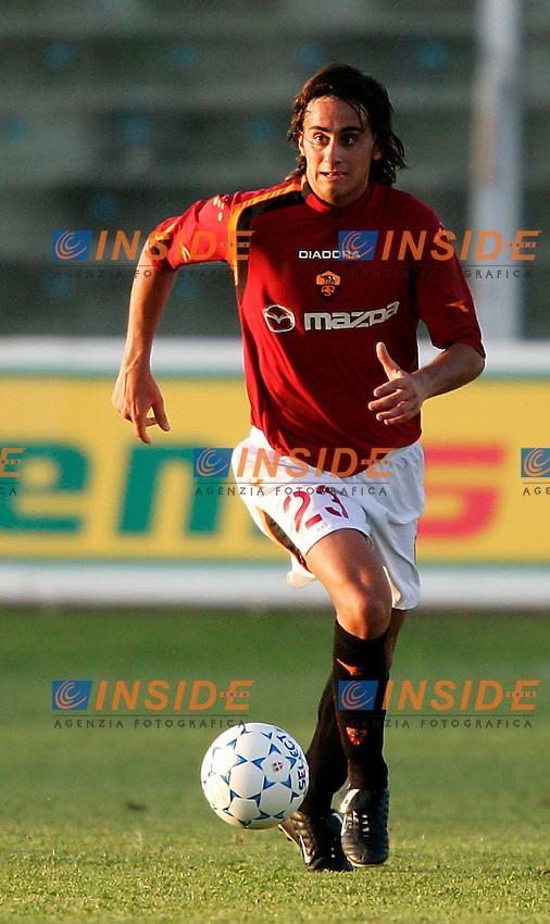 Pescara, 21/08/2004<br /> Incontro amichevole Pescara-AS Roma 0--3<br /> Alberto Aquilani<br /> Foto Insidefoto