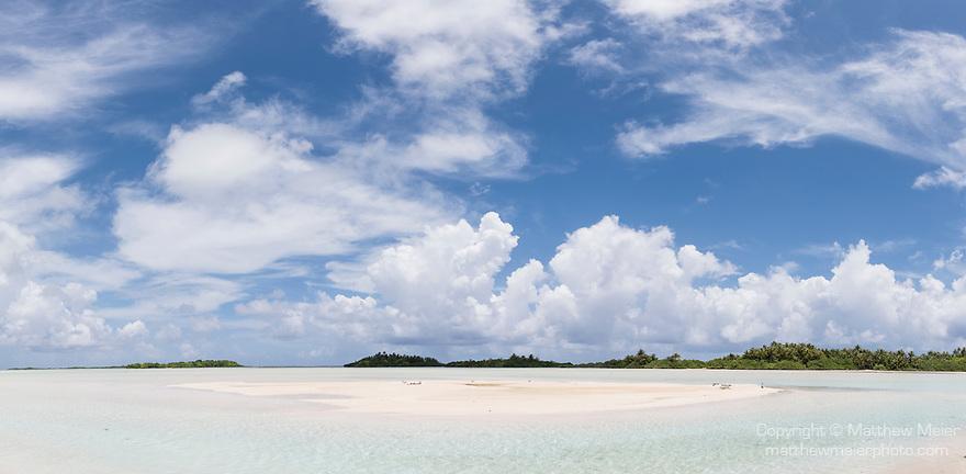 Blue Lagoon, Rangiroa Atoll, Tuamotu Archipelago, French Polynesia; a panoramic view of a sandbar inside of the blue lagoon