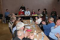 Der Vorsitzende Eric Schmidt und seine Vorstandskollegen wurden einstimmig wiedergewählt