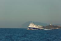 Europe/Provence-Alpes-Côte d'Azur/83/Var/Iles d'Hyères/Ile de Porquerolles: Le bateau venu du continent arrive au port