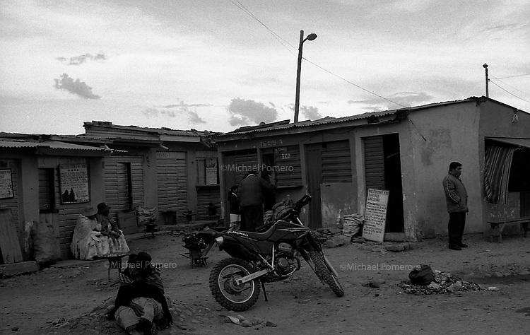 02.2010 La Paz (Bolivia)<br /> <br /> La rue des guérisseurs,conseillers et autres pratiques esotériques.<br /> <br /> Street of healers ,councillors  and others esoteric practices.
