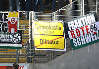 Hannover Fans pro 50+1 Regelung - 30.09.2018: Eintracht Frankfurt vs. Hannover 96, Commerzbank Arena, DISCLAIMER: DFL regulations prohibit any use of photographs as image sequences and/or quasi-video.