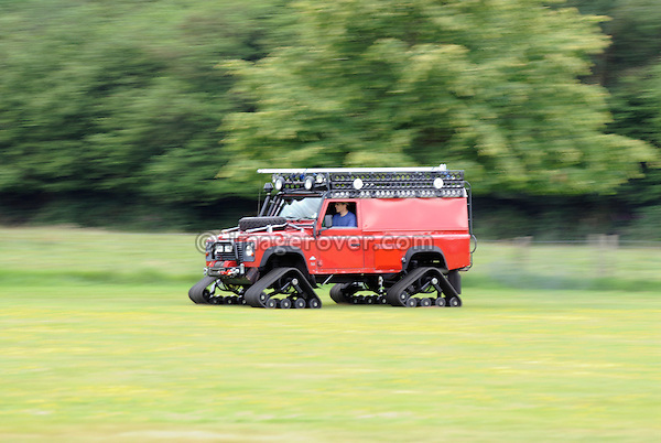 Tracked Defender. Dunsfold Collection Open Day 2009. NO RELEASES AVAILABLE.