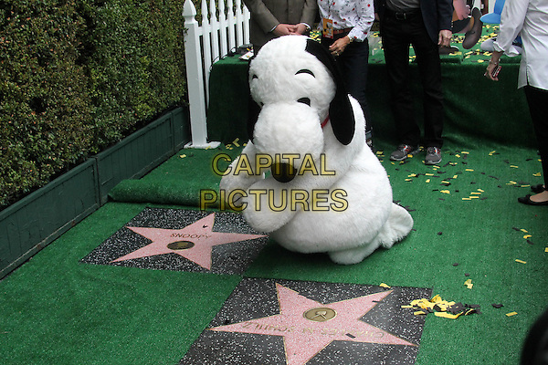 HOLLYWOOD, CA - NOVEMBER 2: Snoopy at the Snoopy Star on the Hollywood Walk of Fame ceremony in Hollywood, California on November 2, 2015. <br /> CAP/MPI//DE<br /> &copy;DE/MPI/Capital Pictures