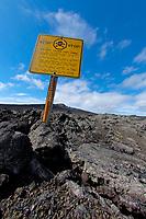 Warning sign, Puu Oo vent, Kilauea volcano, Hawaii, USA Volcanoes National Park, The Big Island of Hawaii, USA