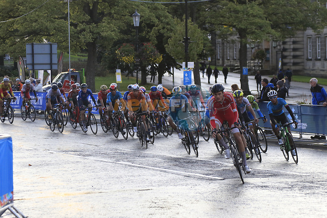 The peloton on the Harrogate circuit during the Men U23 Road Race of the UCI World Championships 2019 running 186.9km from Doncaster to Harrogate, England. 27th September 2019.<br /> Picture: Eoin Clarke | Cyclefile<br /> <br /> All photos usage must carry mandatory copyright credit (© Cyclefile | Eoin Clarke)