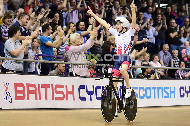 Picture by Alex Broadway/SWpix.com - 04/11/2016 - Cycling - 2016 UCI Track Cycling World Cup, Day 1 - Sir Chris Hoy Velodrome, Glasgow, United Kingdom - Men's Team Pursuit Finals - Mark Stewart of Great Britain celebrates winning Gold.