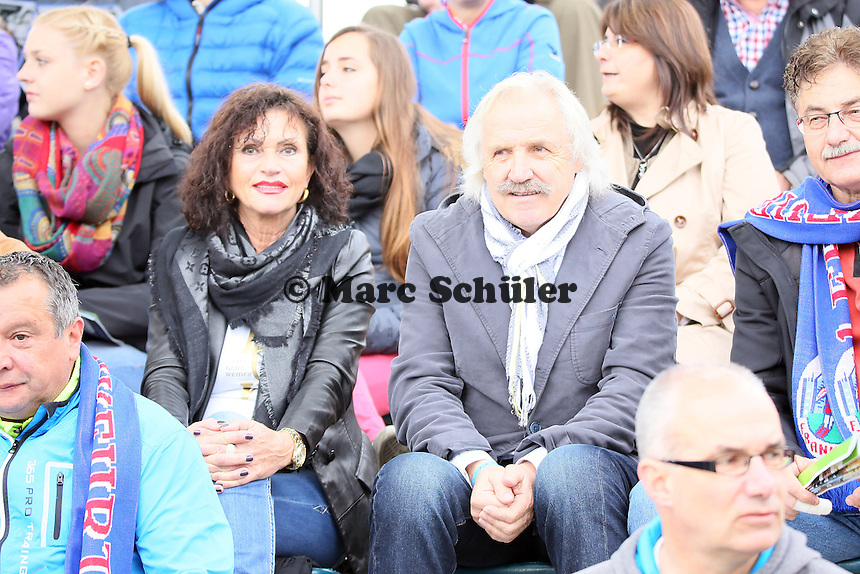 Ex-Eintracht Trainer Dragoslav Stepanovic mit seiner Frau Jelena unter den Zuschauern - 1. FFC Frankfurt vs. Bayer 04 Leverkusen