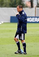 O tecnico Frank de Boer durante treino do Ajax no CT da Barra Funda na Manhã de hoje na zona oeste de São Paulo.FOTO ALE VIANNA - NEWS FREE.