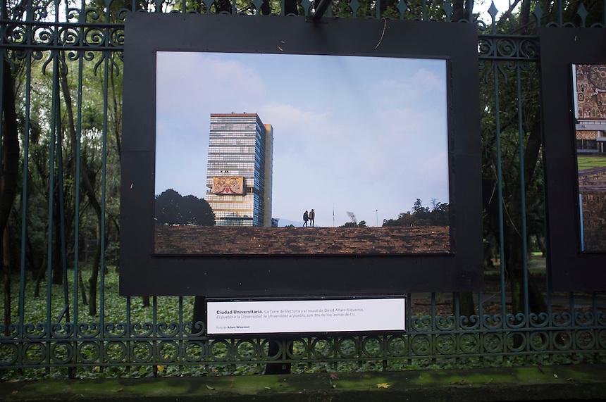Exhibition 52 fines de semana, Travesias, Reforma, mexico DF