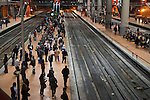Passengers crowd on a platform as they wait for their train at rush hour at Madrid's Atocha station..(ALTERPHOTOS/Muñoz Alconada)