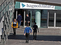 NAPOLI, 11/04/2013 LE AREE DELL'EX ITALSIDER E DELL'EX ETERNIT DI BAGNOLI SONO STATE SEQUESTRATE DAI CARABINIERI NELL'AMBITO DI UN'INDAGINE DELLA PROCURA CHE IPOTIZZA IL REATO DI DISASTRO AMBIENTALE.  .FOTO DE LUCA .