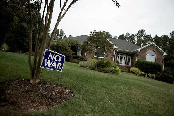 September 18, 2007, Raleigh, NC..No war sign in yard..