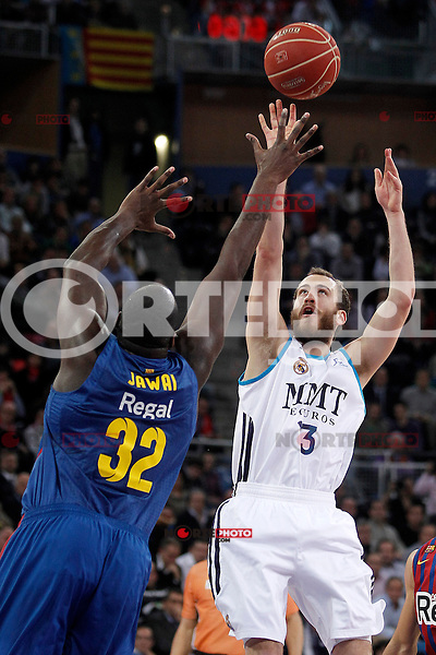 Real Madrid's Sergio Rodriguez (r) and FC Barcelona Regal's Nathan Jawai during Spanish Basketball King's Cup match.February 07,2013. (ALTERPHOTOS/Acero) /Nortephoto