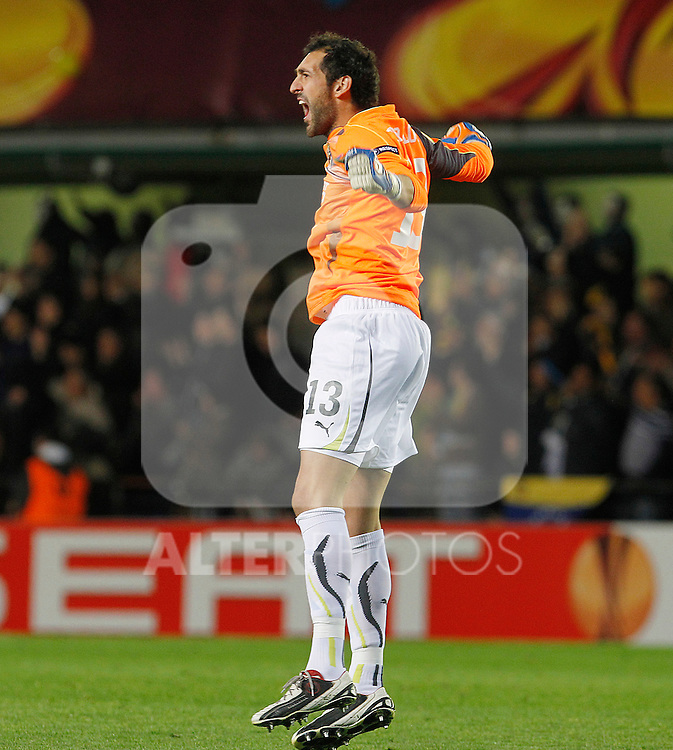 Villareal's  Diego Lopez celebrates goal during UEFA Europa League match.March 17,2011. (ALTERPHOTOS/Acero)